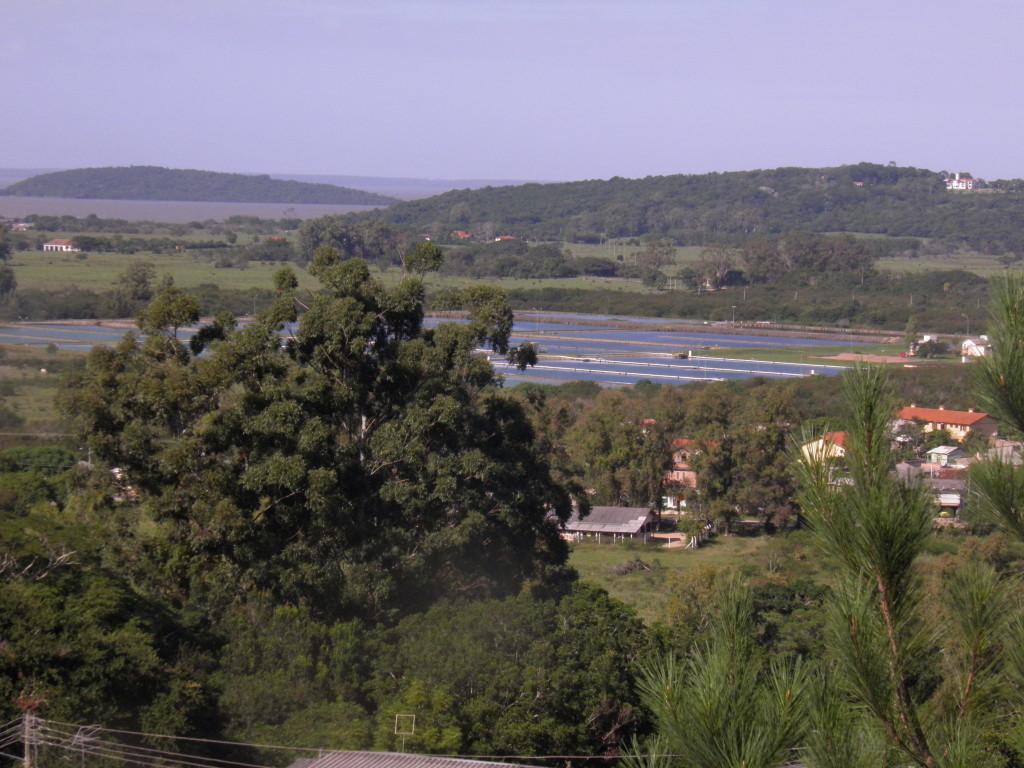 Panorâmica da ilha Francisco Manoel até o morro do Arado Velho.